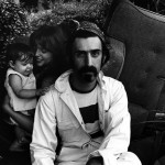 Madame Zappa rejoint l'homme de sa vie