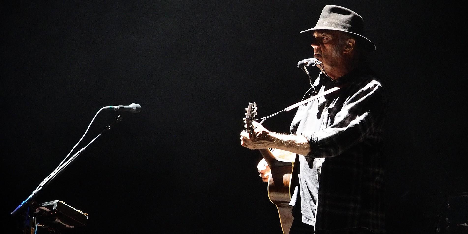 ©PHOTOPQR/VOIX DU NORD/LEFEBVRE - Concert de Neil young au Zenith de lille. Le 13/06/2016. Photo Christophe Lefebvre. La Voix Du Nord. (MaxPPP TagID: maxnewsspecial051850.jpg) [Photo via MaxPPP]