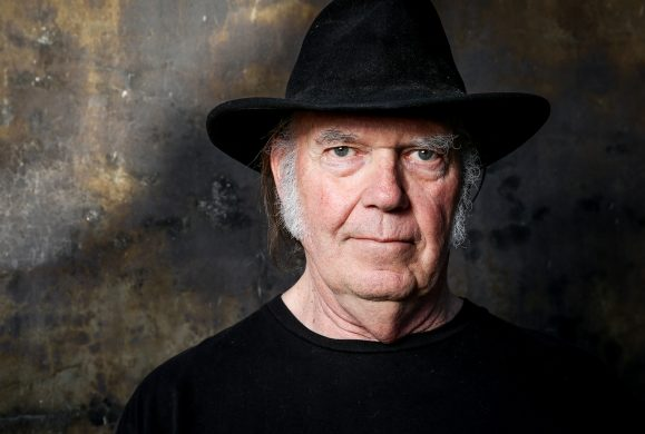 Preview : Neil Young « The Visitor »