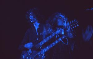 Jimmy Page et Robert Plant, double-manche et patachon. Photo : Jim Marshall