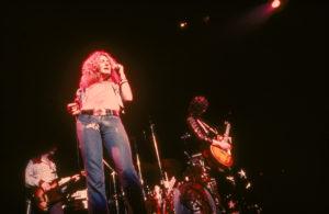 John Paul Jones, Robert Plant (prêt à rejouer l'une des scènes cultes de This Is Spinal Tap, devinez laquelle) et Jimmy Page.