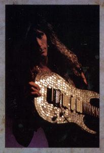 Steve Vai, guitare