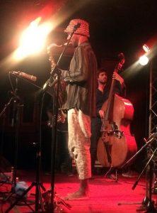 Paris, 20 juillet : Shabaka Hutchings sur la scène du New Morning. Photo © Jean-Pierre Vidal