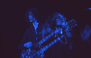 Jimmy Page et Robert Plant, double-manche et patachon. Photo : Jim Marshall