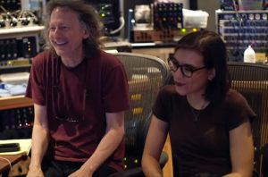 Roberta Finocchiaro et Clifford Carter en studio à Brooklyn.