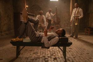 Chadwick Boseman (Levee), Glynn Turman (Toldeo), Michael Potts (Slow Drag) et Colman Domingo (Cutler).