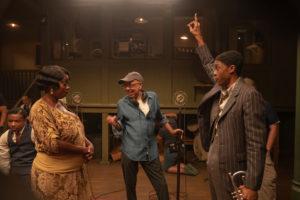 Viola Davis (Ma Rainey), le metteur en scène George C. Wolfe, et Chadwick Boseman (Levee).