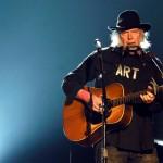 Neil Young entre en campagne